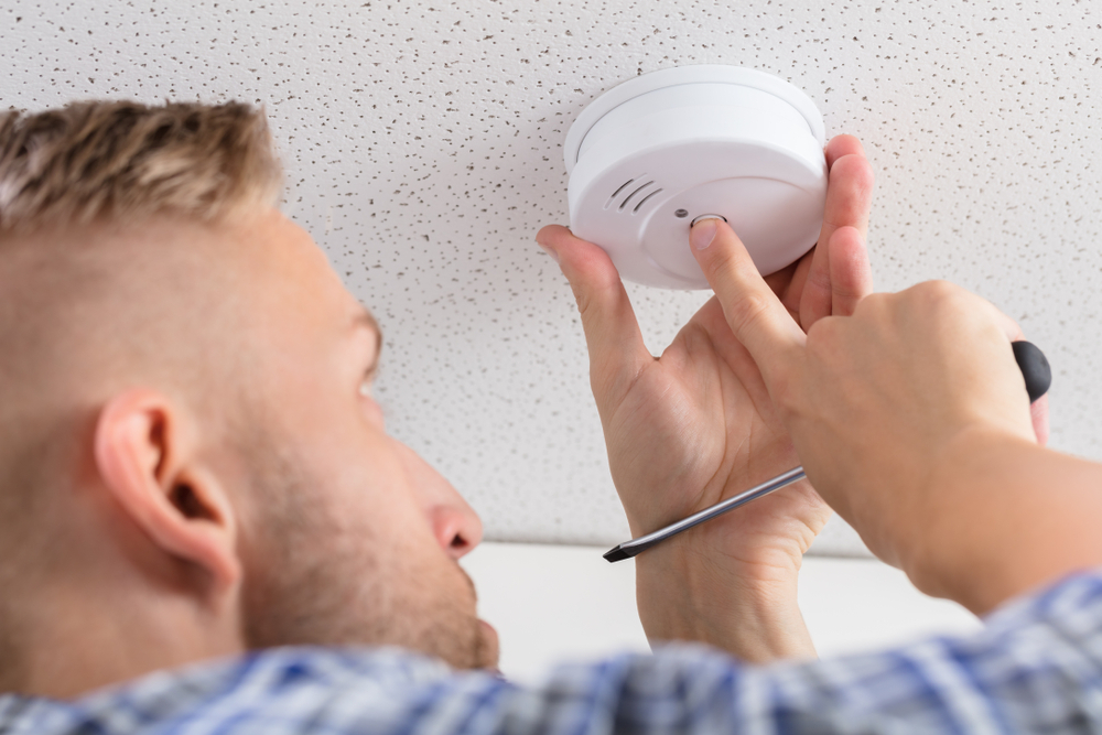 An Electrician's Guide to Smoke Detector Installation